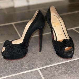 Suede AUTHENTIC Christian Louboutins size 36